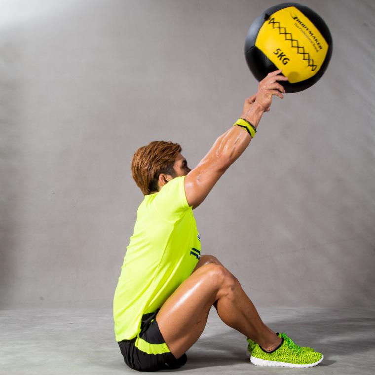 ウォールボール 10kg ブラック×イエロー トレーニング2